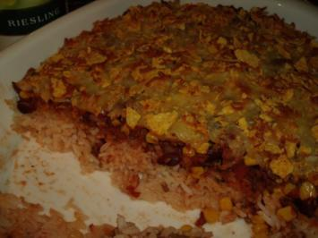 Chili con Carne Auflauf mit Tortilla-Käse-Kruste; der Hackfleisch-Klassiker mal anders - Rezept