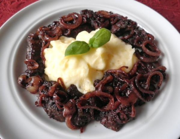 Putenleber in Rotwein - Zwiebel - Soße - Rezept