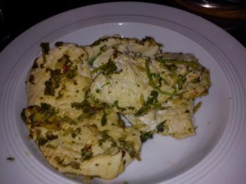Asia Menü mit Huhn, Gemüse und Nudeln - Rezept