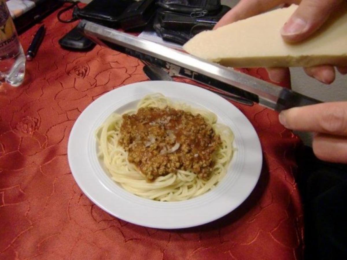 Spaghetti mit Soße Bolognese à la Heiko - Rezept von sabiangi