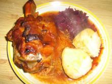 Schweinshaxen mit Kartoffelknödel und Rotkohl - Rezept