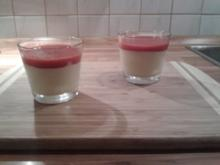Eierlikörmousse mit Erdbeersoße - Rezept