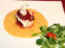 In Kümmel gebratene Lotte auf Kartoffel-Majoran-Soße und roter Bete - Rezept