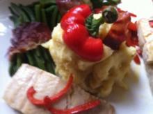 Wildlachs-Filet mit Speckbohnen und Paprikastreifen mit Stampfkartoffeln - Rezept