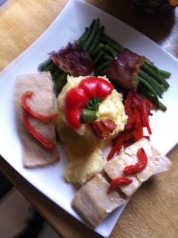 Wildlachs-Filet mit Speckbohnen und Paprikastreifen mit Stampfkartoffeln - Rezept - Bild Nr. 4