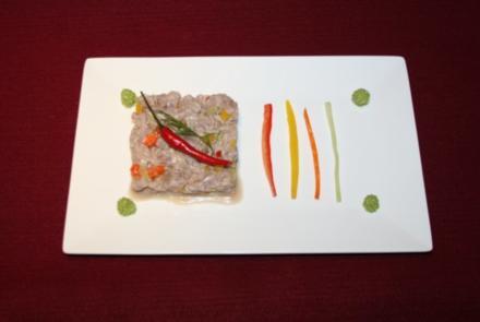 Tatar vom Thunfisch mit Gemüsestreifen - Rezept