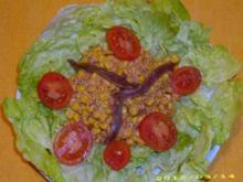 Deftiger Maissalat mit Anchovis-Sauce - Rezept