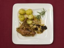 Perlhuhnbrüstchen im Pflaumen-Nuss-Bett mit Rosmarinkartoffeln (Gerit Kling) - Rezept