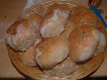 Heinzis Bauernbrötchen mit Kümmel - Rezept