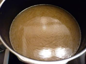 Rezept: Hühnerbrühe kräftig, frisch zubereitet