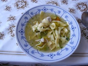 Frühlinssuppe mit Nudeln und Gemüse - Rezept