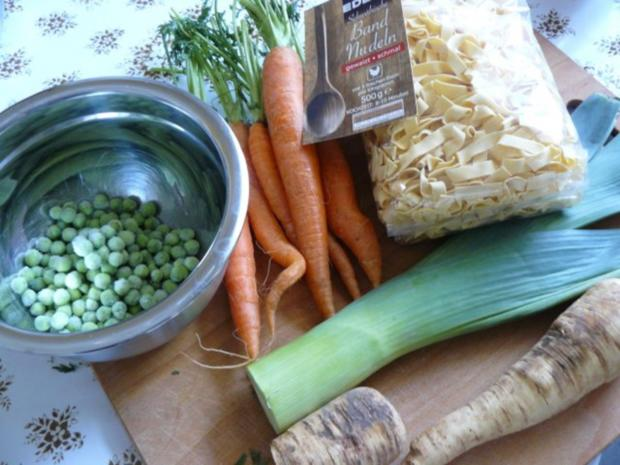 Frühlinssuppe mit Nudeln und Gemüse - Rezept - Bild Nr. 5