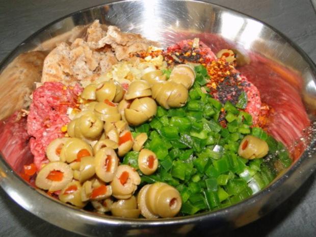 Frikadellen mit schwarzem Sesam und Chiliflocken - Rezept - Bild Nr. 4
