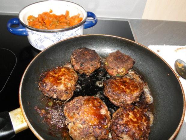 Frikadellen mit schwarzem Sesam und Chiliflocken - Rezept - Bild Nr. 5
