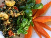 Blattspinat-Rührei mit Garnelenschwänze.. Fit in den Frühling ;-)) - Rezept