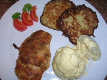 Hähnchenbrust im Parmigiano-Mantel neben Kartoffel-Käse-Rösti und Blumenkohl - Rezept