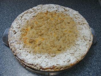 Rhabarberkuchen mit Haferflockenstreuseln - Rezept