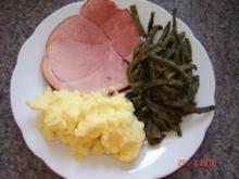 Fleisch : Geräuchertes (Eigenproduktion) mit Dörrbohnen und Kartoffelpü - Rezept