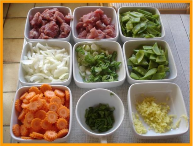 Nudeln mit Schweinefleisch und Gemüse in Pflaumensauce - Rezept - Bild Nr. 8