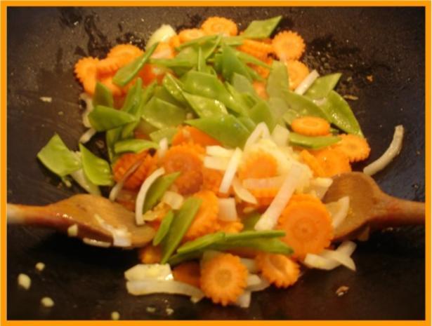Nudeln mit Schweinefleisch und Gemüse in Pflaumensauce - Rezept - Bild Nr. 14