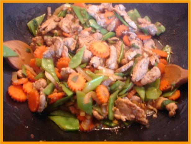Nudeln mit Schweinefleisch und Gemüse in Pflaumensauce - Rezept - Bild Nr. 19