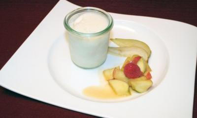 Eisweinsorbet mit karamellisierten Früchten - Rezept