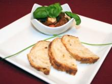 Caponata mit Mozzarella, dazu selbstgebackenes Tomaten-Mozzarella-Brot - Rezept