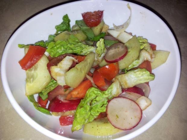 Gemüse-Salat mit Radischen, Balsamico-Essig, Knoblauch  + Kräutern - Rezept - Bild Nr. 9