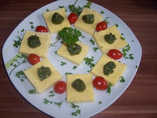 polenta h ppchen mit walnuss pesto rezept. Black Bedroom Furniture Sets. Home Design Ideas