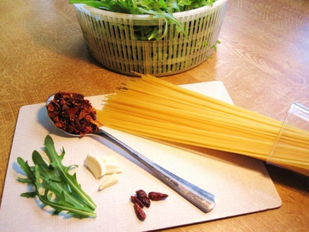 Spaghetti mit Rucola ... - Rezept - Bild Nr. 2
