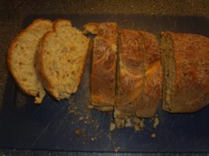 Weissbrot ohne Hefe mit Röstzwiebeln - Rezept