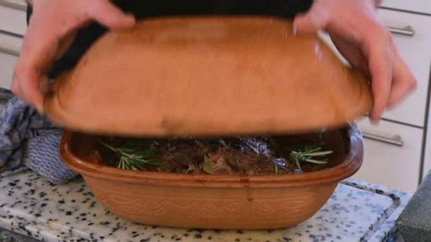 Geschmorte Lammschulter aus dem Römertopf mit Schmorgemüse und Rahmwirsing - Rezept - Bild Nr. 4