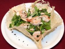 Salat im Parmesankörbchen - Rezept