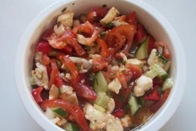 Bunter Gartensalat mit Limetten-Kräuter-Dressing - Rezept
