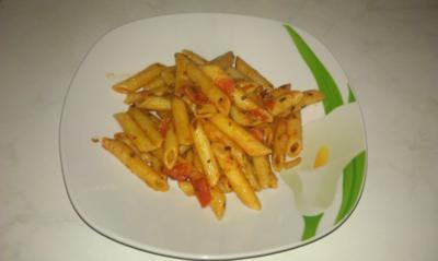 Rigatoni mit Tomatensauce - Schnell, einfach, lecker : - Rezept