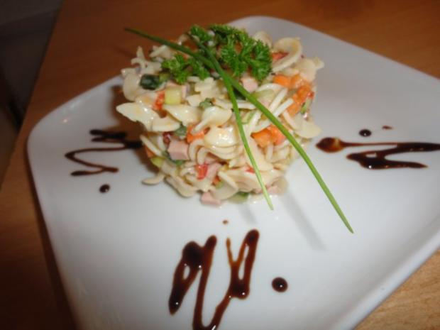 fein marinierter Nudel Salat - Rezept - Bild Nr. 10