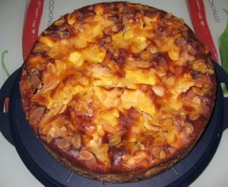 Apfelkuchen mit Marzipan-Rahmguss - Rezept