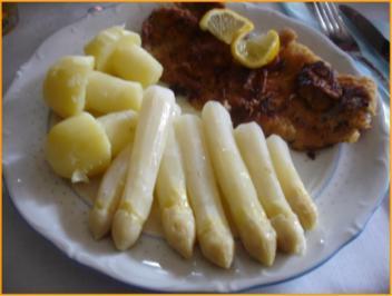 Kalbschnitzel mit Spargelspitzen und neuen Kartoffeln als Kartoffelpilze - Rezept