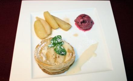 Mascarpone-Quitten-Tarte mit Waldfruchtsorbet, karamellisierten Birnen- und Apfelspalten - Rezept