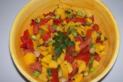 Rezept: Fruchtige Tomaten-Mango-Salsa