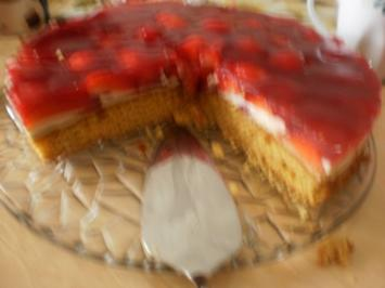 Erdbeer-Möhren-Kuchen - Rezept