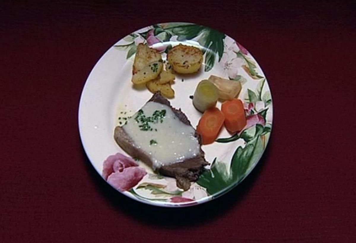 Tafelspitz mit Apfelkren und Rösterdäpfel (Claudia Obert) - Rezept von Das perfekte Promi Dinner