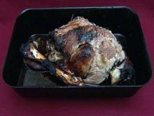 Lammbein in Rotwein, dazu Couscous-Salat mit Ananas und Koriander (Florian Fitz) - Rezept