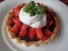 Schokolade trifft auf Erdbeeren und Basilikum - Rezept