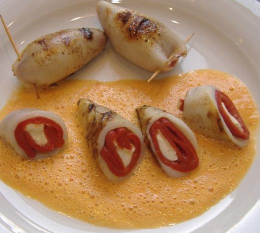 Tintenfisch mit Paprika-Käse-Füllung - Rezept