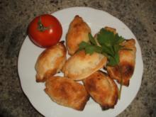 Pikantes Backen: Blätterteigtäschchen mit Lachs-Frischkäse-Füllung - Rezept