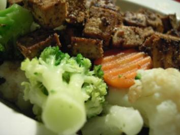 Gemüse mit Tofuwürfeln - Rezept