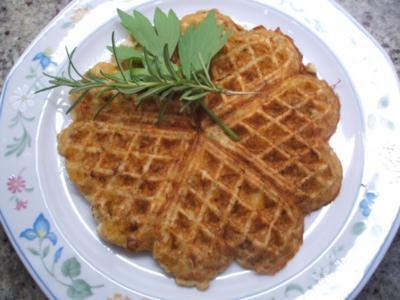 Pikantes Backen: Kartoffel-Käse-Waffeln - Rezept