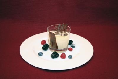 Irisches Crème-Mus mit Waldbeeren - Rezept