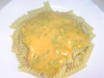 Möhren-Bärlauch-Sauce zu Nudeln - Rezept